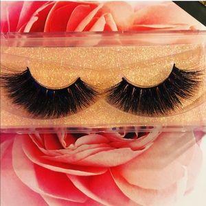 Full quality mink lash strips Bold beautiful glam